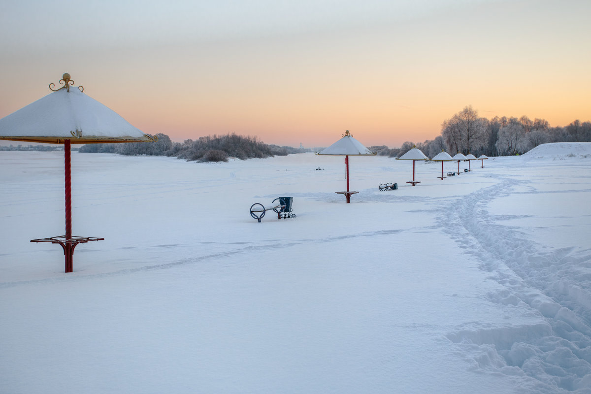 Зимний вечер на пляже - Евгений Никифоров