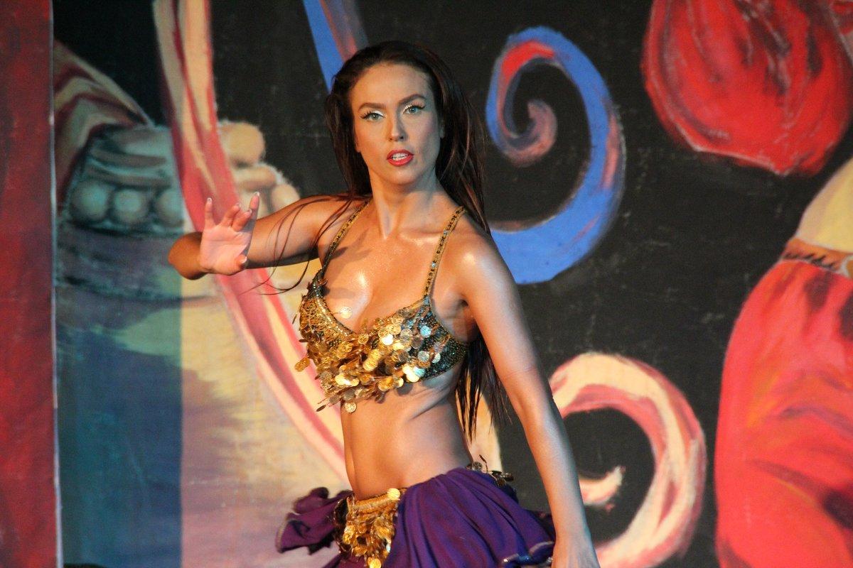 Танцовщица - Леонид Марголис