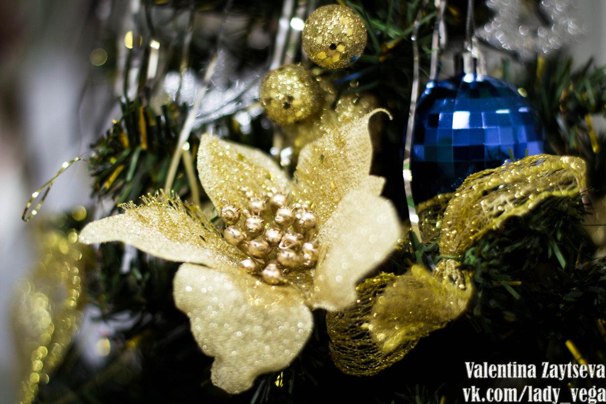 Новогодние цветы - Valentina Zaytseva