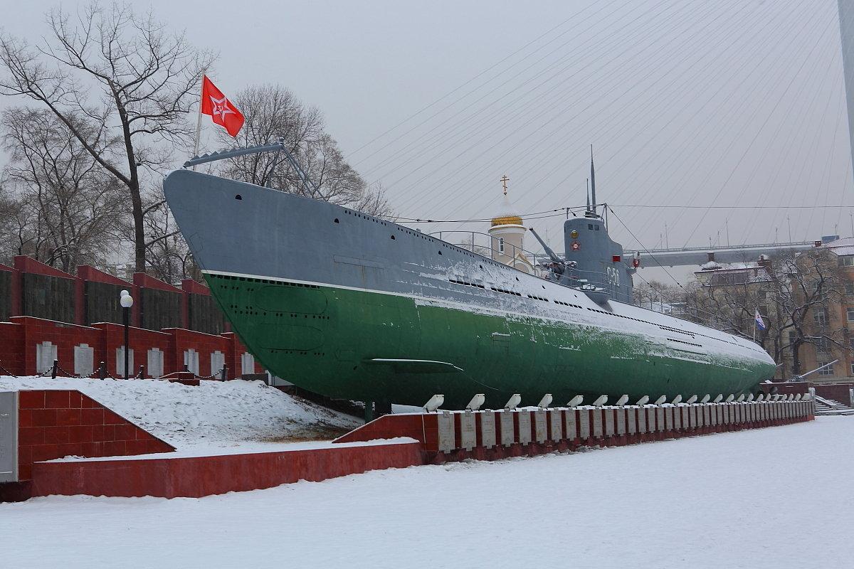 краснознаменная подводная лодка или корабль