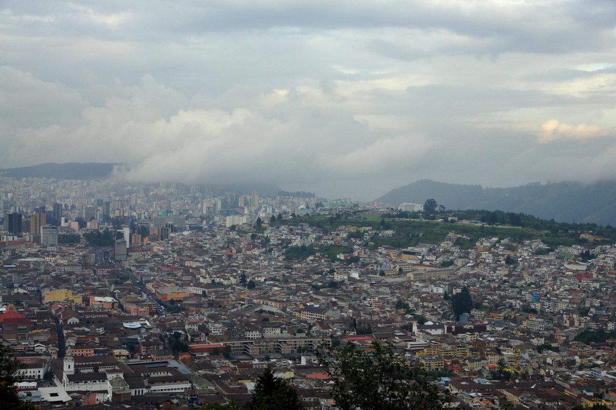 Вид на Кито с высоты 3400м - Igor Khmelev