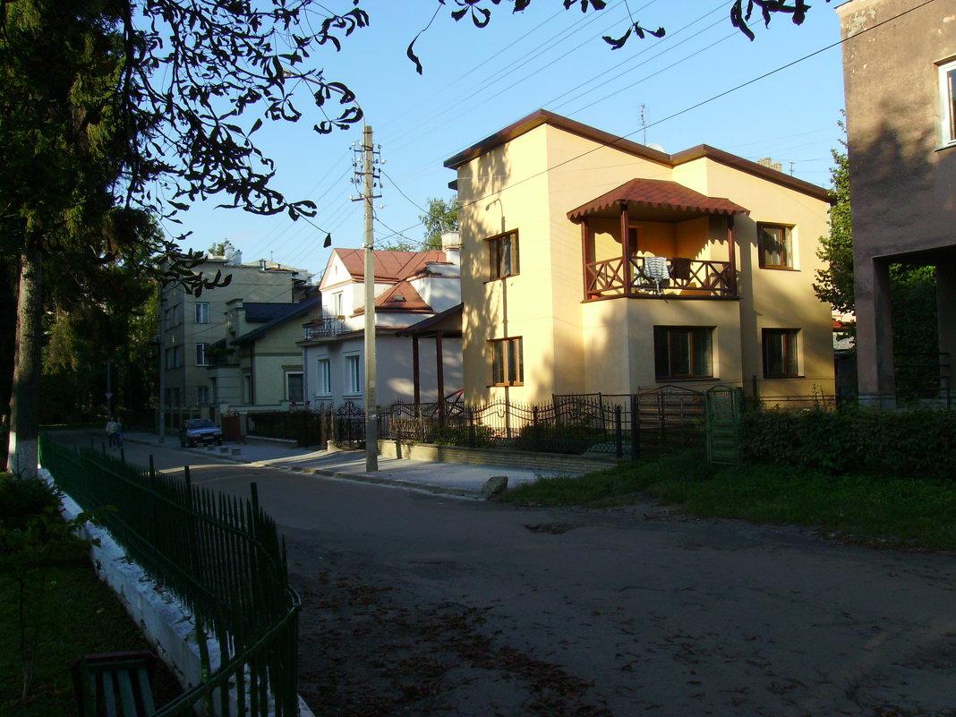 Улица  Макаренко  в  Ивано - Франковске - Андрей  Васильевич Коляскин