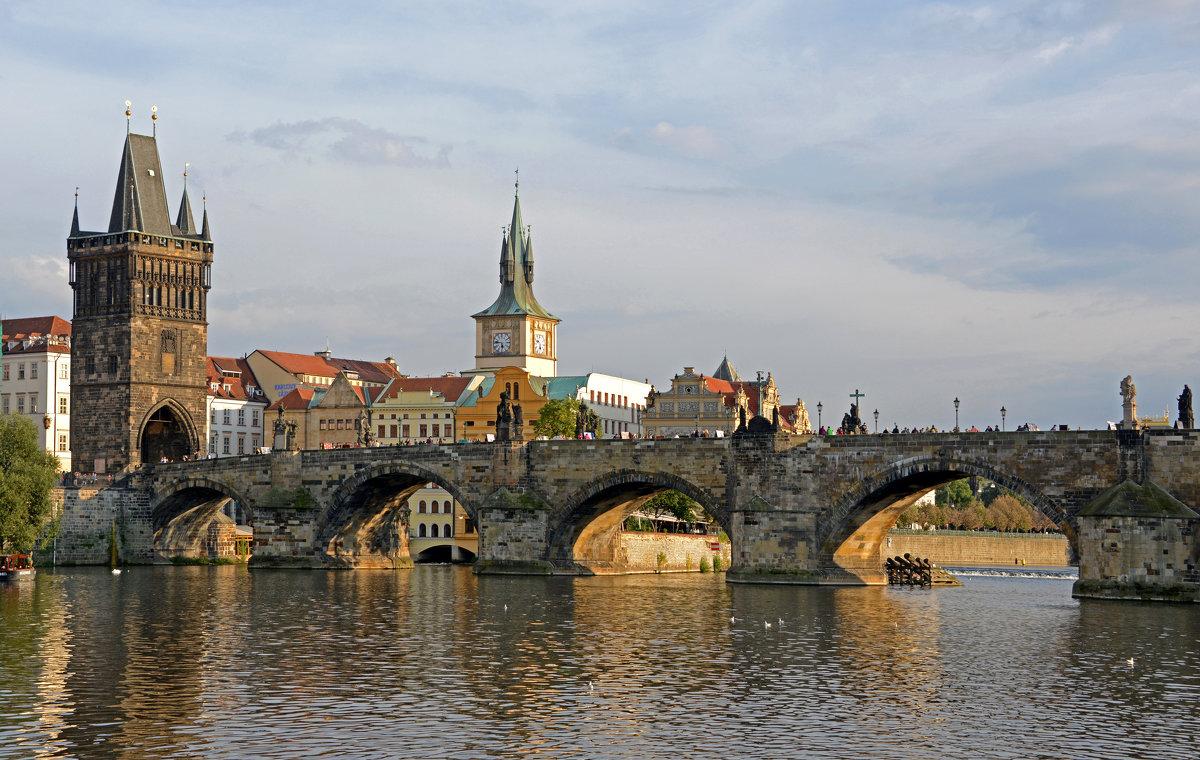 Карлов мост — Википедия