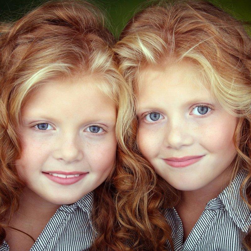 Оказывается близняшки чувствует друг друга