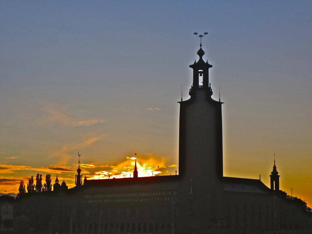 закат над Ратушей - Елена