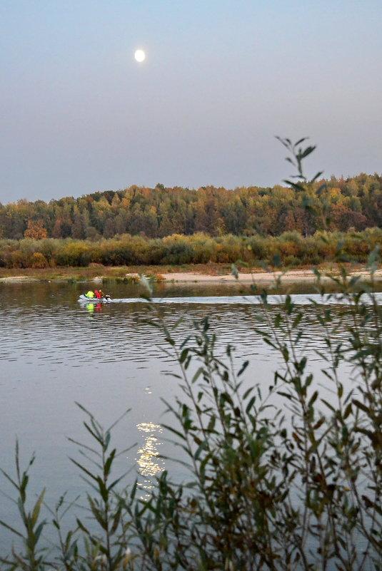 Вечерняя прогулка на воде... - Николай Варламов