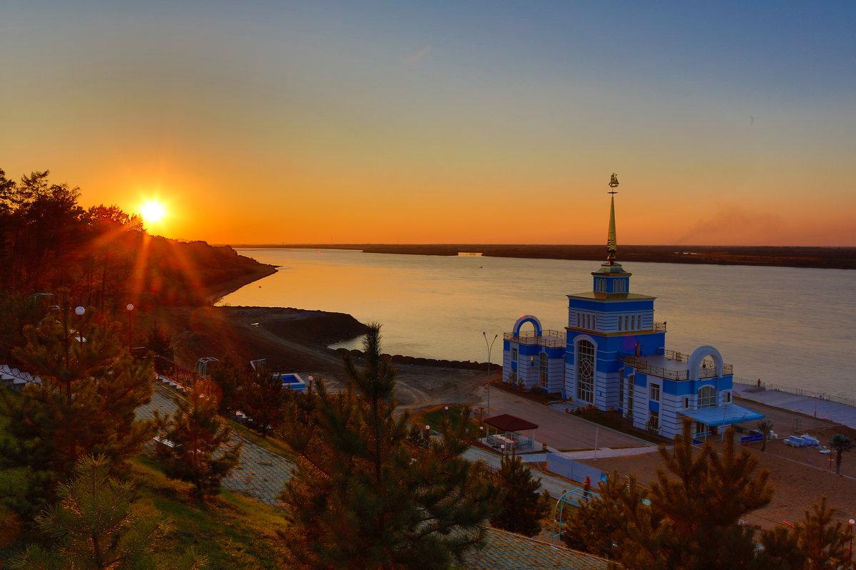 Закат на Амурской протоке - Дмитрий Гольнев