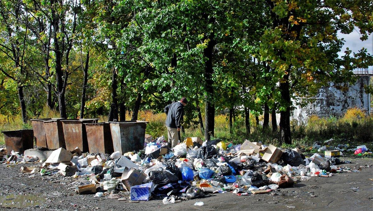 В наших урнах всегда чистота и порядок.)) - Николай Сапегин