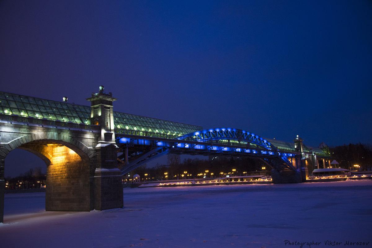 Огни ночной Москвы, Андреевский мост - Виктор М