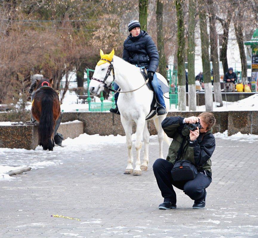 Всадник и фотограф - Игорь Попов
