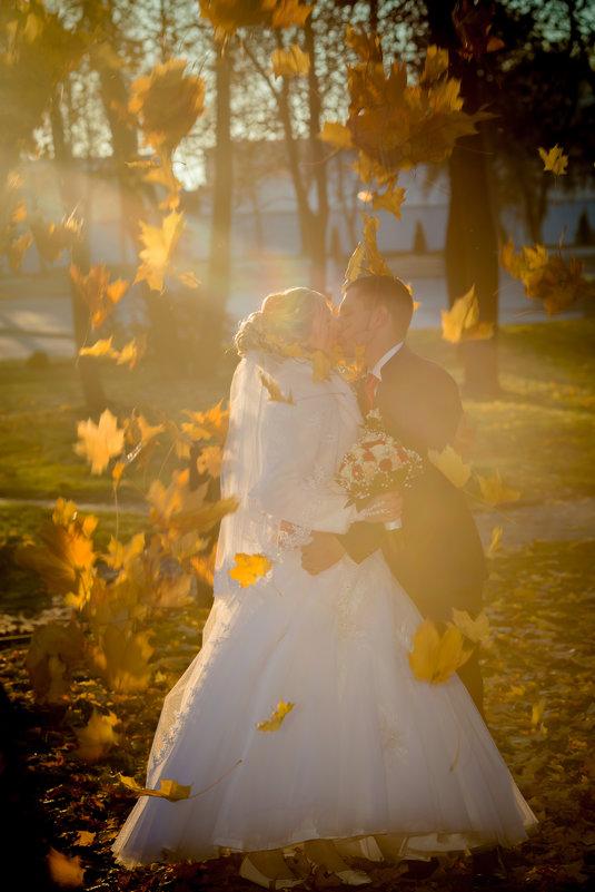 Осенний поцелуй - Владимир Сорокопыт