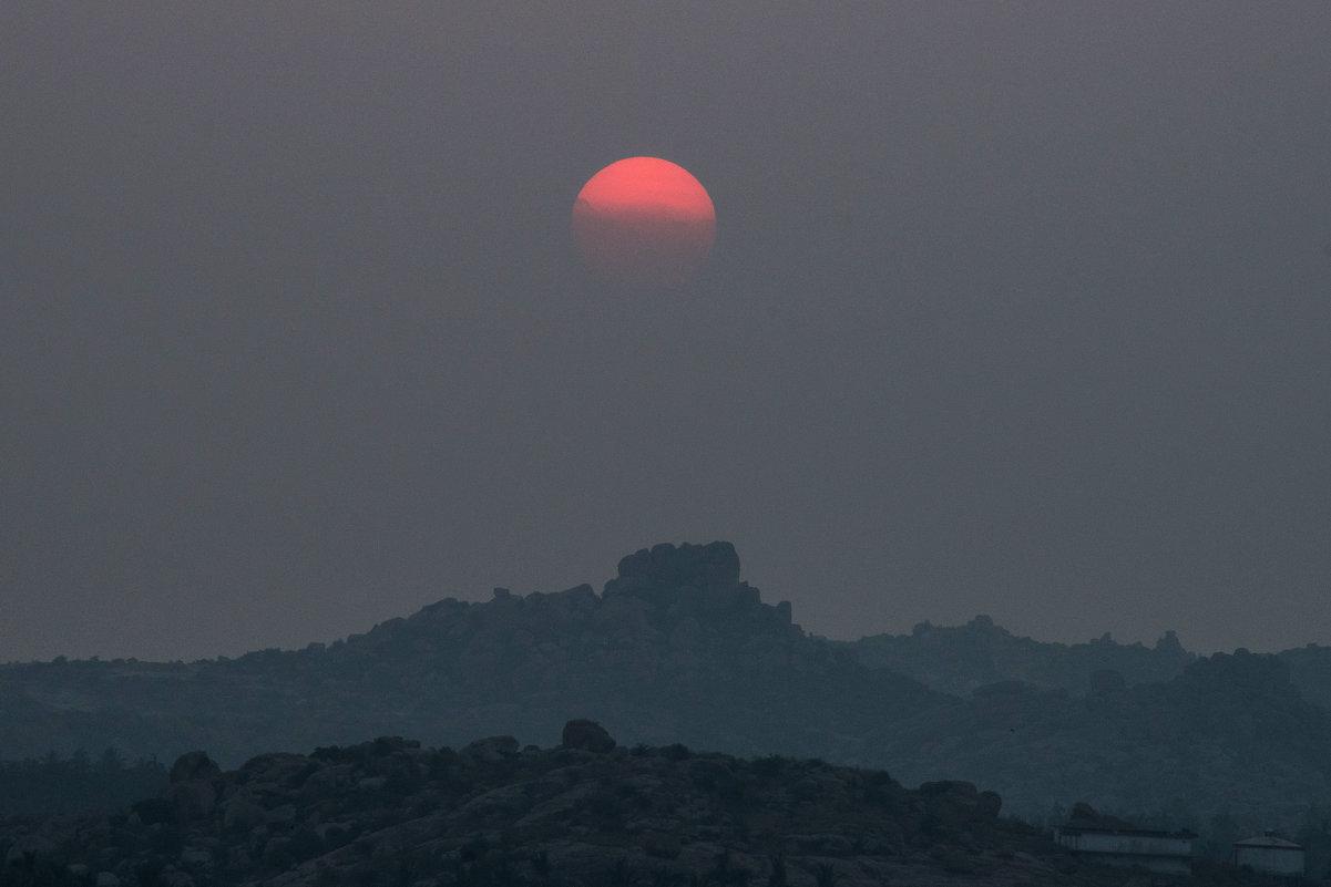 Закат солнца в горах - Виктор Куприянов