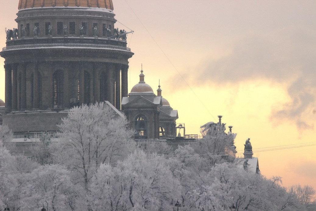 Исаакий в снегу - Вера Моисеева