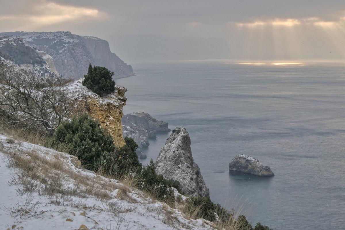 Утром над морем - Игорь Кузьмин
