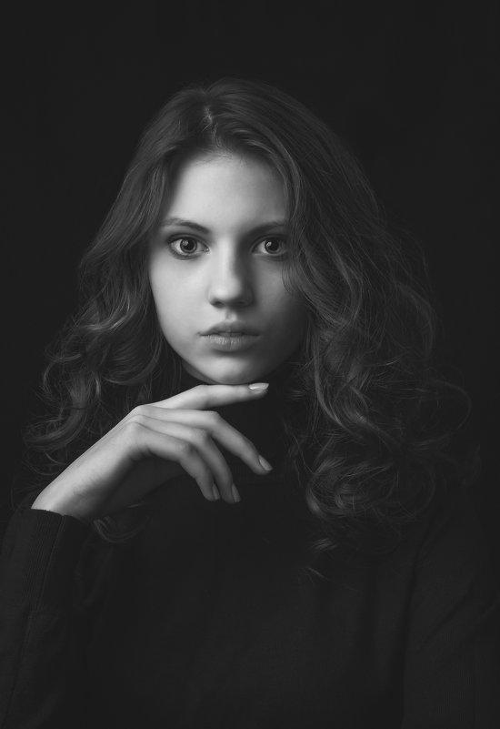Ангелина. - Александр Ломов