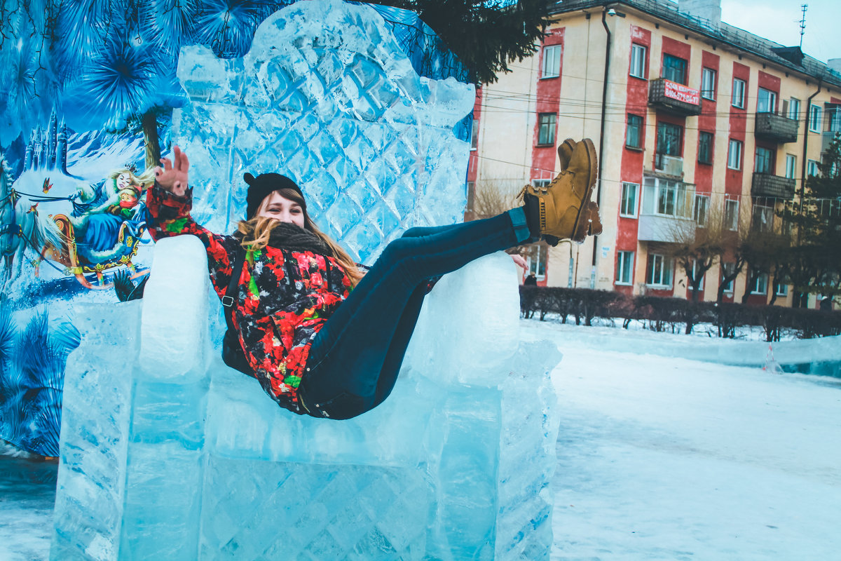 на ледяном троне) - Дарьяна Вьюжанина