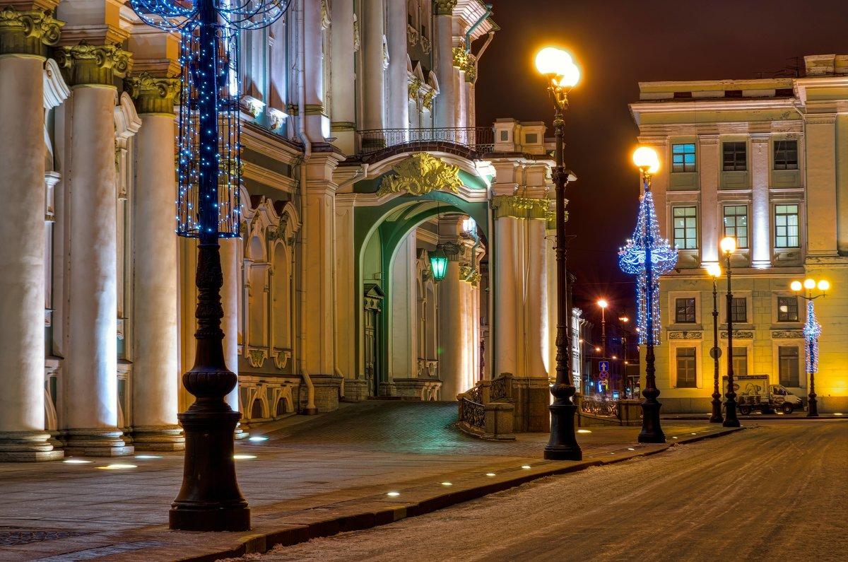 На Дворцовой - Константин Бобинский