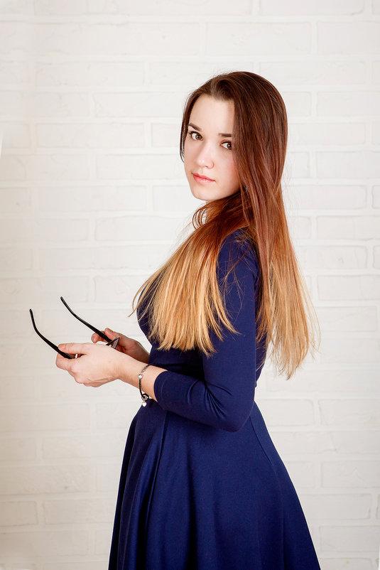 sayt-devushka-alla-s-foto-studentki
