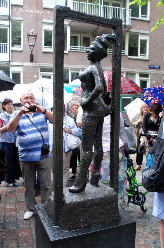 Проститутки статуя
