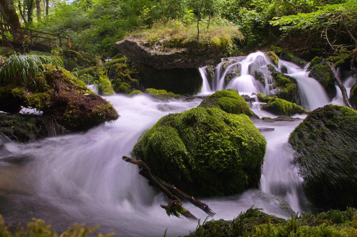 Небольшой водопад в Черногории - Ирина Бруй