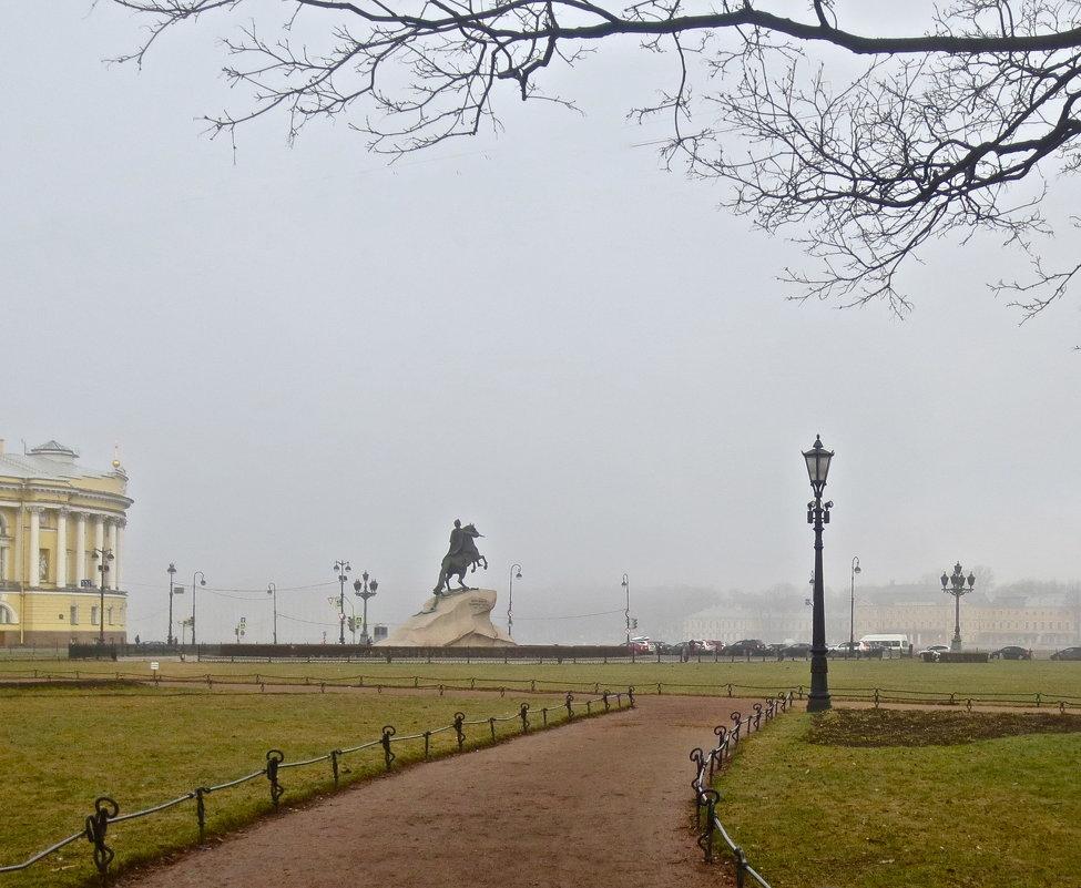 в туманной дымке - Елена