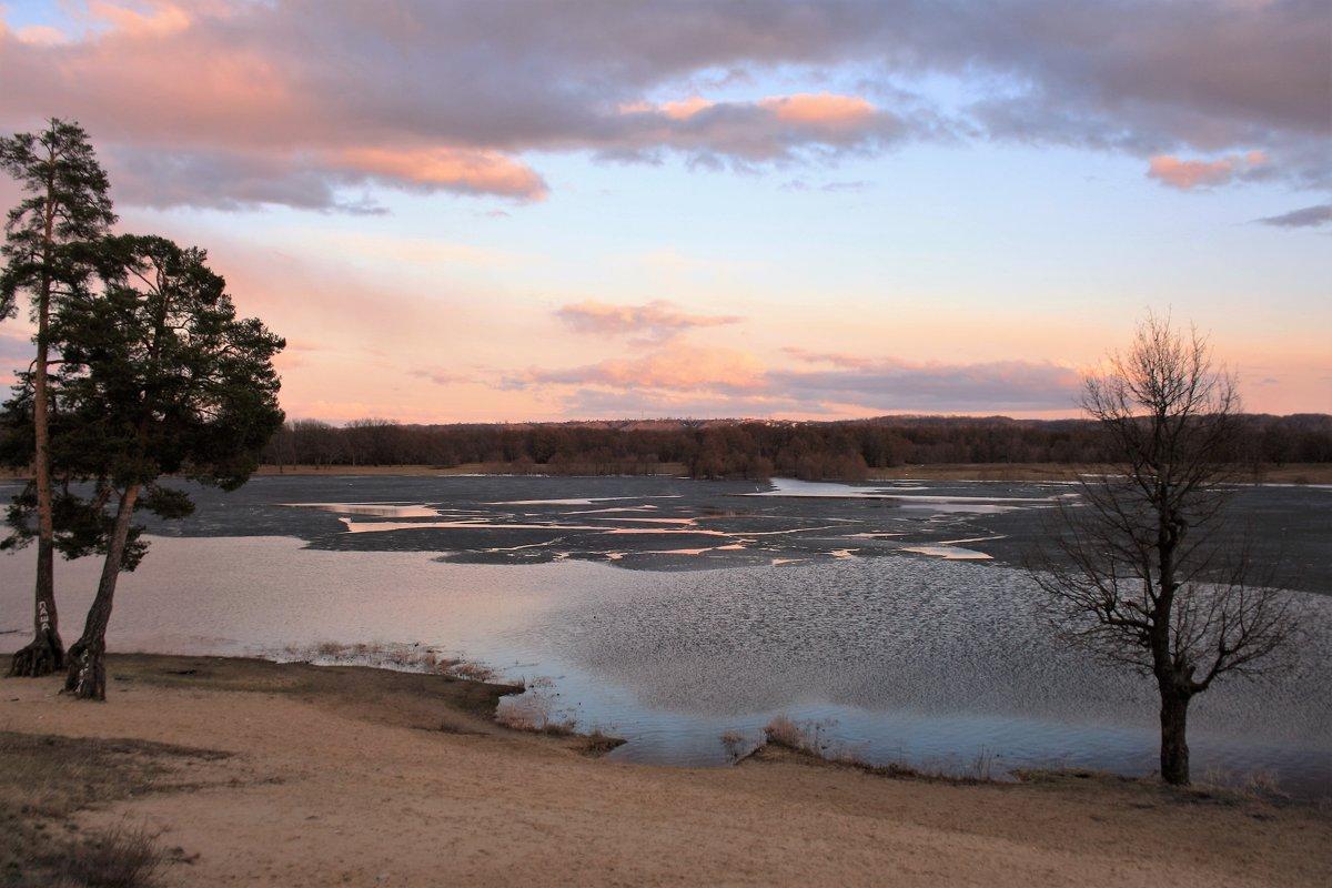 Апрель на озере Святое - Николай Масляев