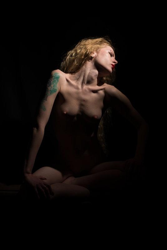 fine art nudes - Xenia *