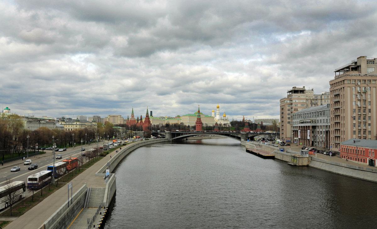 Москва.( 21.04.2016г.) - Виталий Виницкий