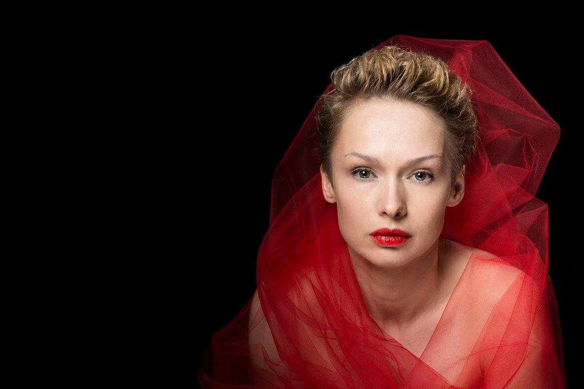 красная помада - Marina Barulina