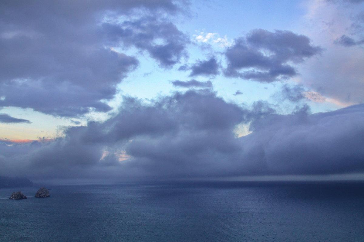 Море, облака и две скалы - M Marikfoto
