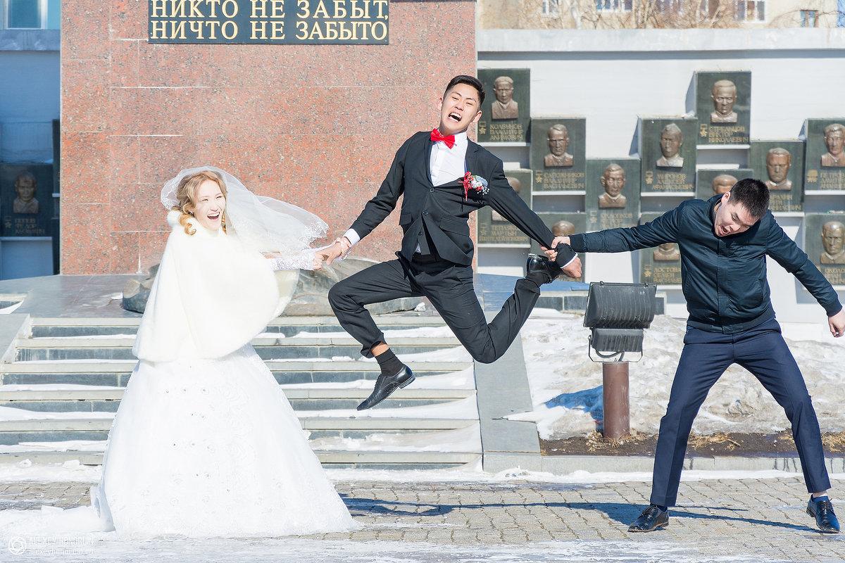 Разрывают жениха - Алексей Хоноруин