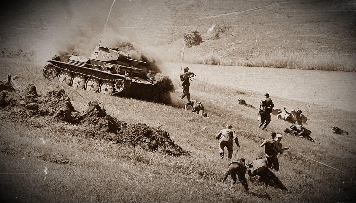 Поджог фашистского танка. - Владимир Болдырев