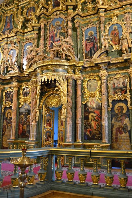 Фрагмент иконостаса Сампсониевского собора - Ольга