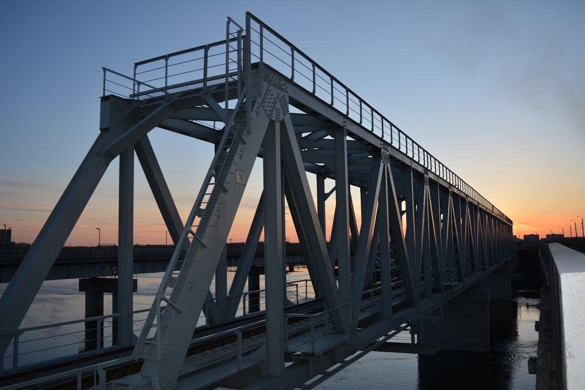 Новенький мост в городе Северодвинске. - Михаил Поскотинов