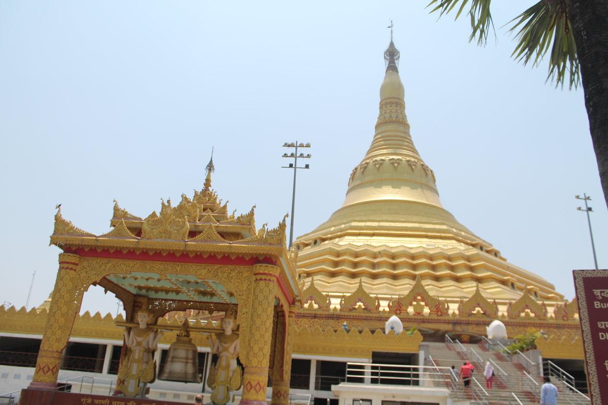 Вид на купол Випсан Глобал Пагоды Мумбаи - maikl falkon