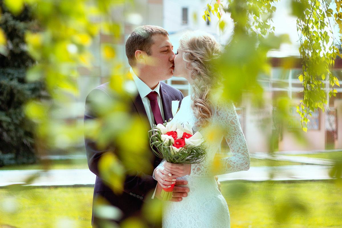 Александр и Яна - Лидия Веселова