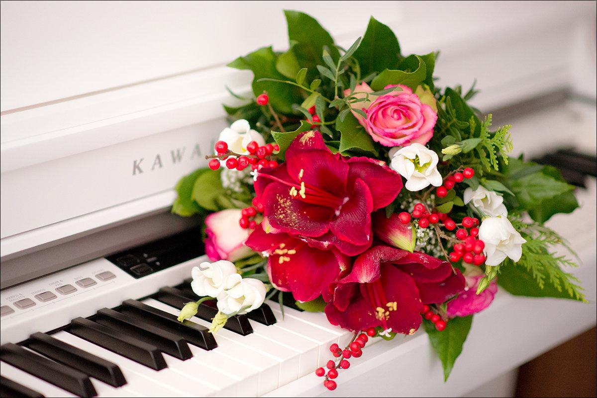Piano - Melany Kingston