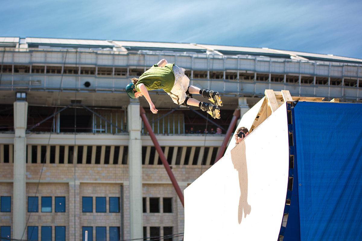 Спортивный праздник в Лужниках - Андрей Шаронов