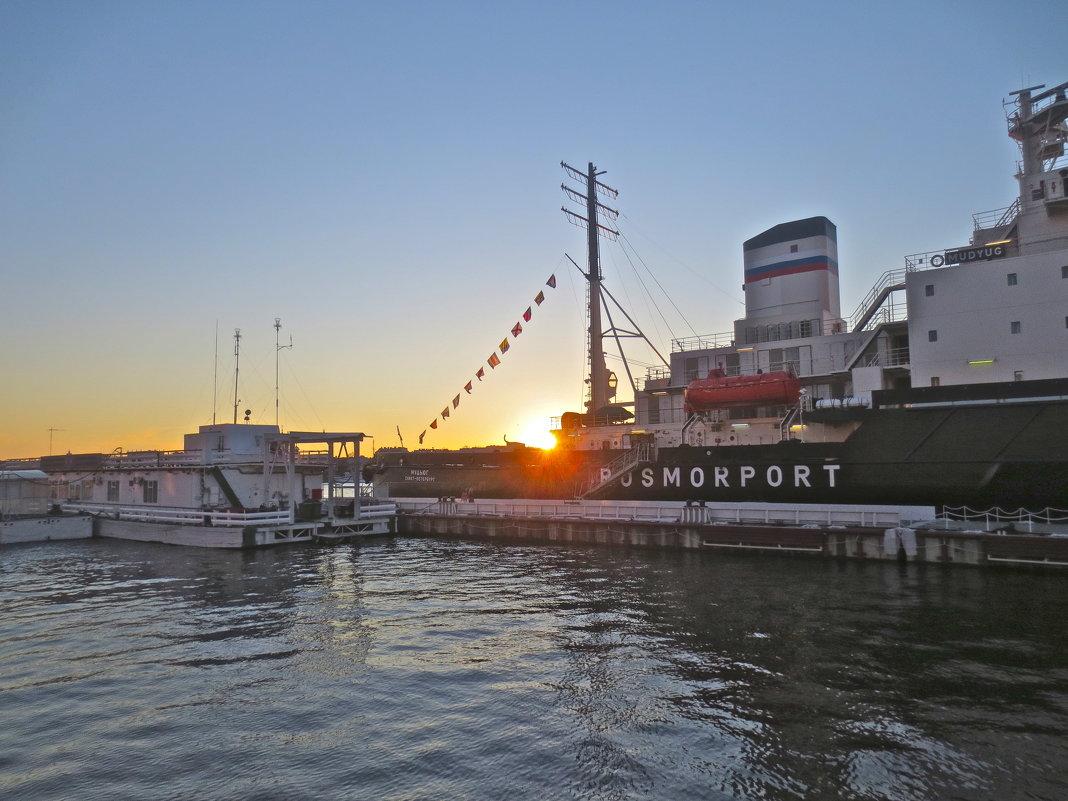 Петербург - город-порт - Елена