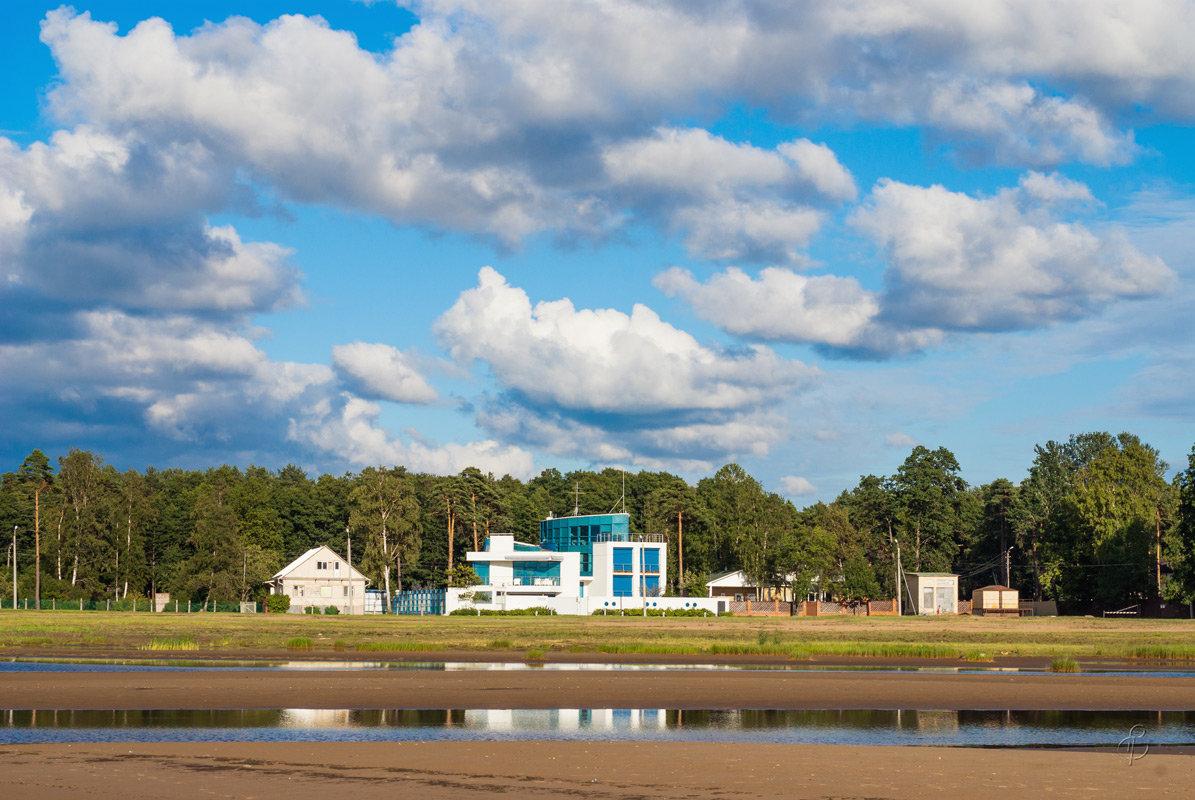 Дом на берегу залива - Виталий