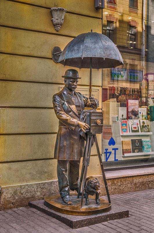 Памятник фотографу - Людмила Финкель