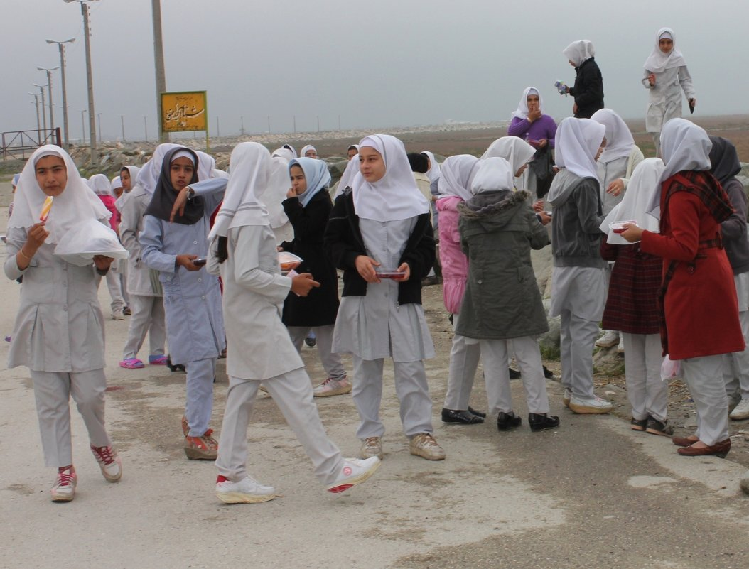 Школьницы. Иран - Elena Соломенцева