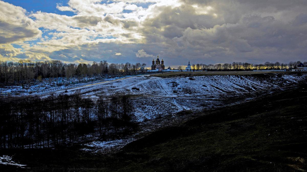 Свенский монастырь.Последний снег в апреле - Дубовцев Евгений
