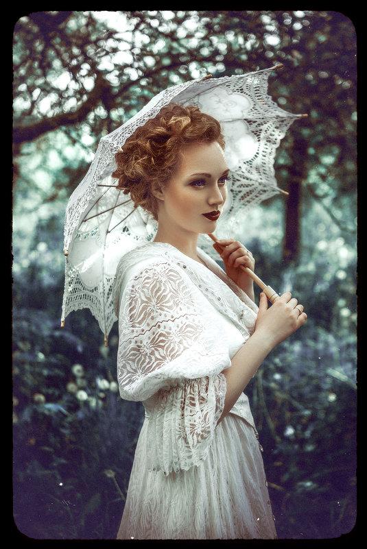 Lady in White - Ruslan Bolgov