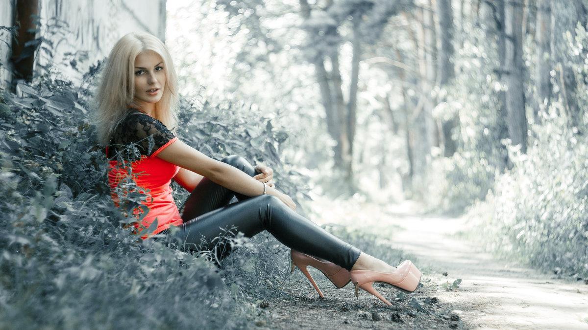 Julia - Алексей Жариков