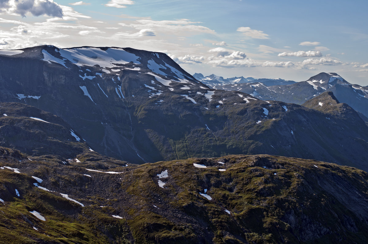 Norwegian Mountains - Roman Ilnytskyi