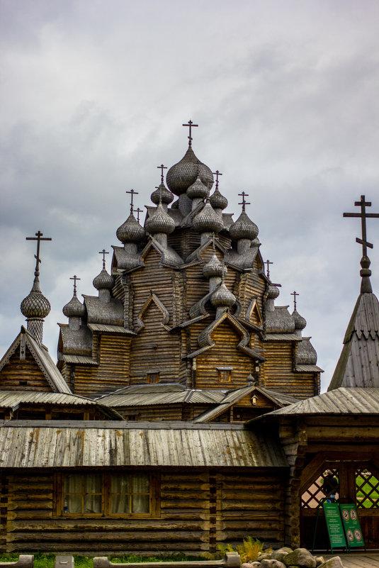 Покровская церковь - Алексей