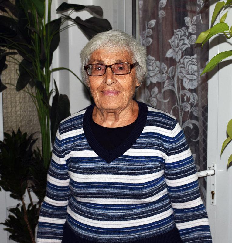Бабушка Эмиля - azer Zade