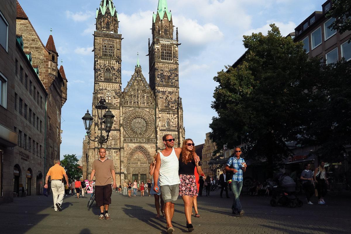 Die Lorenzkirche - Elen Dol