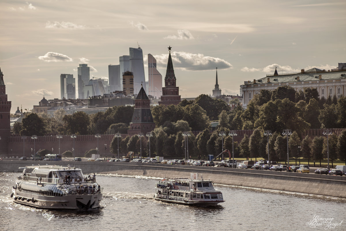 На закате - Юрий Захаров